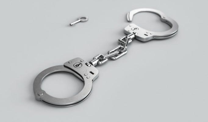 handcuffs-3655288_1920