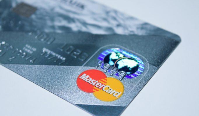 plastic-card-1647376_1920